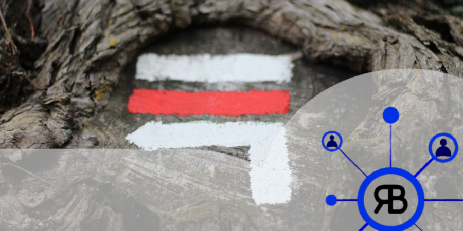 Blanc rouge blanc flèche GR cible avec le logo de Richard Bulan